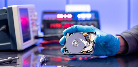 clean room data recovery picture